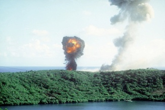 Figure 5.1 Puriphoto18 1280px-Explosion2_during_Grenada_invasion_1983_300 dpi copy